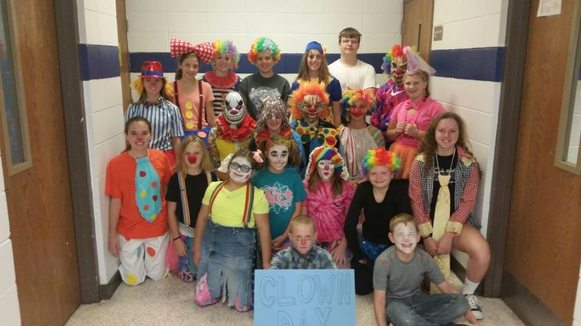 clown-group