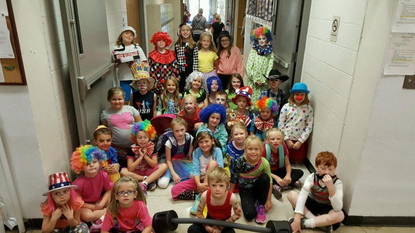 elementary-clowns
